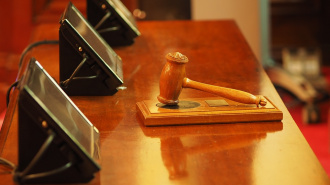 Двух петербуржцев осудят за продажу залоговых авто банка ВТБ