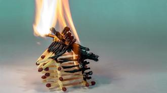 Пожар уничтожил частный дом во Всеволожске