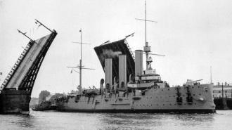 """Крейсер """"Аврору"""" отремонтируют за счет боевых кораблей"""