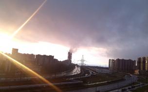 Петербуржцы приняли облако над Лахта-центром за крупный пожар