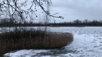 Спасатели отметили места с самым опасным льдом