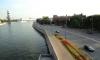 В центре Москвы легковой автомобиль упал в реку: один человек погиб