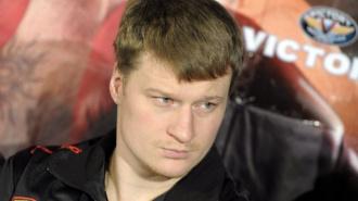 Кличко и Поветкин подписали контракты на бой