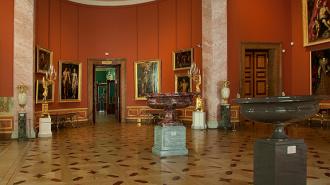 Сотрудник Эрмитажа похищал из музея редкие книги и гравюры