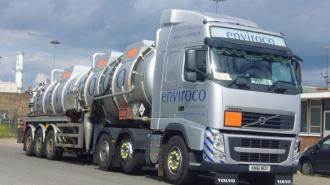 В Шушарах у водителя похитили фуру с 20 тоннами моторного масла