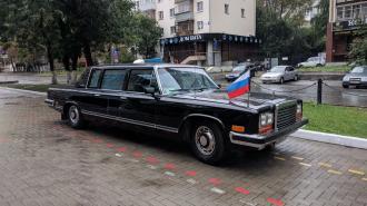 Легендарный советский ЗИЛ-41045 выставили на продажу за 37 млн рублей