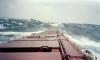 Французы продолжают поиск упавшего за борт российского матроса