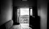 Пенсионер, который выпал из окна в Купчино, испытывал проблемы с психикой