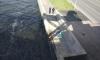 У Большеохтинского моста из Невы достали тело девушки