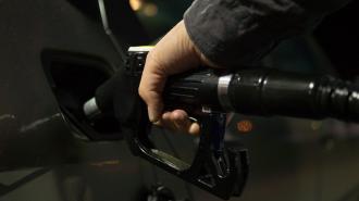 В РФ с 1 мая начала действовать новая формула расчёта цены на бензин