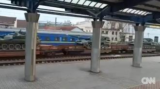 Захарова: CNN выдает кадры с украинскими танками за доказательство подготовки РФ к войне
