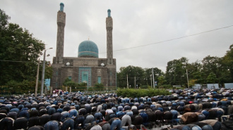 Осуждены двое жителей Петербурга, подкинувшие свиную голову к воротам петербургской мечети