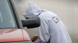 У гендиректора петербургской фирмы украли Land Rover за 3 млн рублей