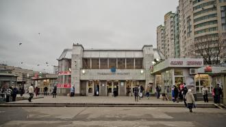 На станции «Гражданский проспект» нашли потерявшегося мальчика по имени Вова