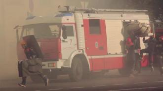 На Софийской улице загорелся гараж