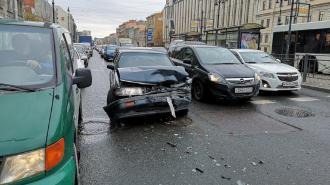 На перекрестке Кузнечного и Лиговского произошло ДТП с участием каршеринга