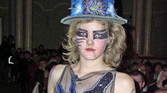 Фото с непристойного модного дефиле из Луганска взорвали соцсети