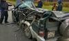Информационный щит раздавил автомобиль на КАДе
