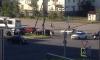 """На Парашютной """"Фольксваген"""" протаранил светофор и снес дорожные знаки"""