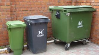 В контейнере для мусора на Индустриальном проспекте обнаружили труп