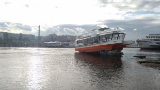В Речном порту спустили на воду первый в России электрический катамаран