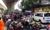 В Бангкоке мужчина метнул гранату на переполненный людьми мост, но промахнулся - взрыв произошел в воде