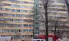 Очевидцы сообщают о пожаре в парадной жилого дома на Маршала Казакова