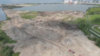 Росприроднадзор возбудил дело в связи с размещением отходов в водоохранной зоне Финского залива