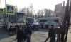 Автобус с китайскими туристами попал в аварию на Стачек