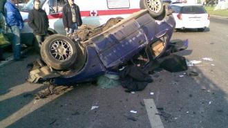 В аварии на Заповедной пострадали 3 человека