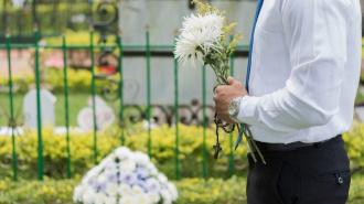 В Петербурге разрешат прощаться с умершими
