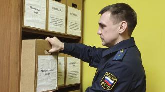Женщина получила 50 тыс. рублей от продуктового магазина за удар металлическими воротами