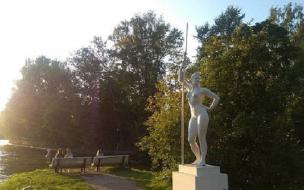 """Копия скульптуры """"Девушка с веслом"""" займет новое место на Крестовском острове не позднее середины мая"""