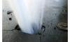 На севере Петербурга прорвало трубу с горячей водой, движение ограничено