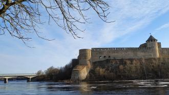 В Ивангороде четверо иностранных граждан пытались попасть в Эстонию