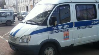 Голубоглазый преступник в маске ограбил с пистолетом салон связи МТС в Купчино