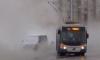 Из-за прорыва трубы на Комендантском проспекте встали троллейбусы