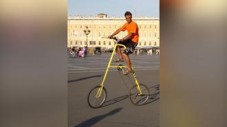 Петербуржец изобрел самый высокий в мире велосипед