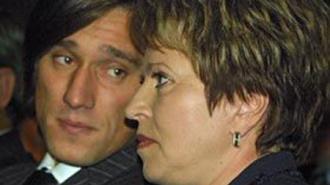 Сын губернатора Петербурга мечтает о кресле-качалке в Италии