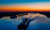 Экологи собрали более тысячи килограммов нефтеводяной смеси в реках Петербурга