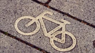 На проспекте Большевиков оборудуют велодорожку за 15 млн рублей