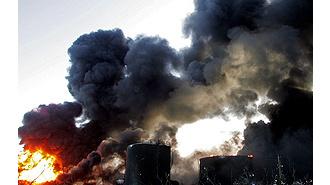 Неисправная электропроводка вызвала крупный пожар в отеле столицы Ливии. Авиация НАТО ни при чём