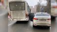 На Пулковской улице маршрутка снесла дверь Hyundai