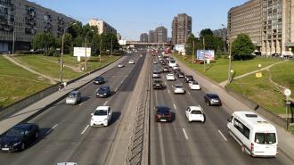 Утром во вторник пробки в Петербурге составили 5 баллов
