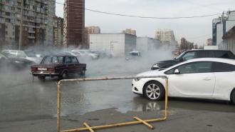 Прокуратура проведет проверку после падения авто под асфальт в Петербурге