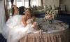 Вера Брежнева надела свадебное платье и развалилась на столе