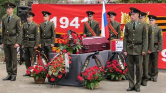 Захоронение выпускника Горного через 72 года после гибели