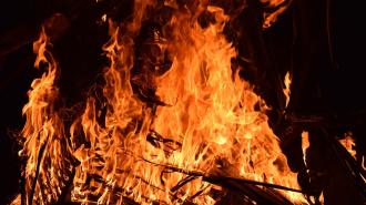За ночь в Ленобласти сгорели два частных дома, две дачи и квартира