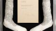 В Нью-Джерси носки Майкла Джексонапродаютза миллион ...
