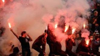 """Фанаты """"Зенита"""", которые сожгли флаг Чечни, задержаны"""